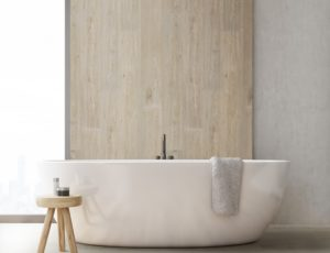 Na stěně nebo v koupelně. Vinyl vynikne i jinde než jen na podlaze