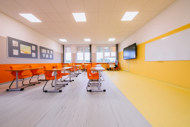 Какое напольное покрытие выбрать для школы или детского сада?